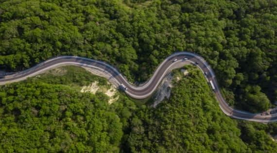 Servicio de transporte larga distancia para turismos eléctricos