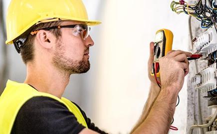 ¿Cómo evitar la energía reactiva en tu empresa y evitar penalizaciones en la factura?